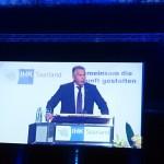 IHK Präsident Dr. Richard Weber bei der IHK Bestenfeier der Landesbesten 2015 im Saarbrücker E Werk